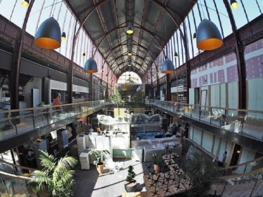 "Nice train station "" Gare de Sud "" reopens 26 years later, transformed  into giant food court."